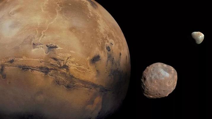 Необъяснимые колебания смещают полюса Марса