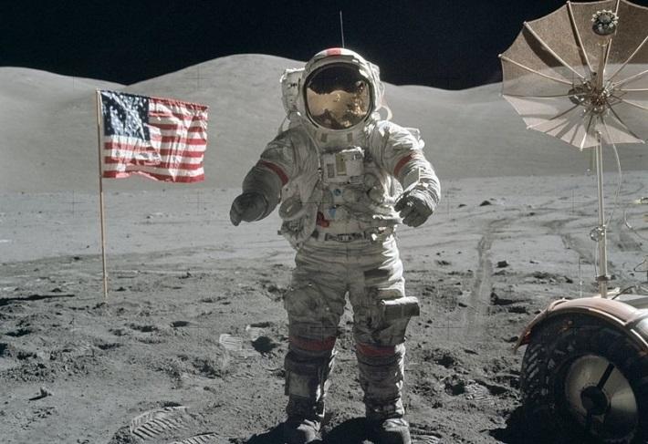 В Китае заявили о нестыковках в данных США о высадке на Луне