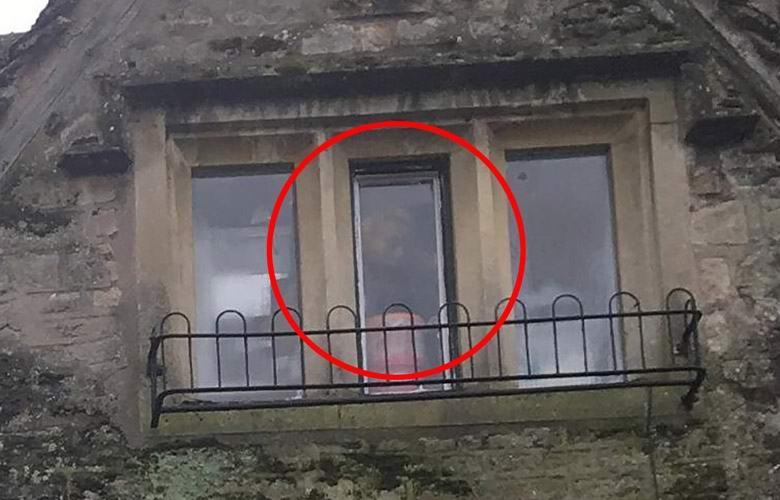 картинки призраков в окне риштане применяется прозрачная