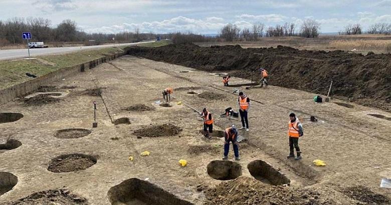 На Кубани обнаружены древние артефакты