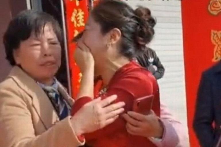 Женщина узнала в день свадьбы сына, что невеста - это ее давно потерянная дочь