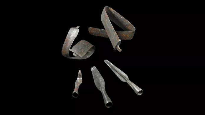 В Германии обнаружили крупный склад оружия железного века
