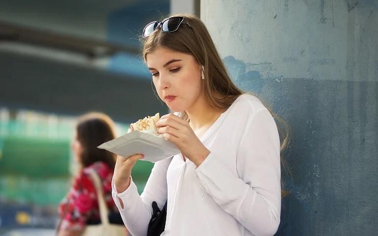 Что произойдет с организмом, если кушать на ходу