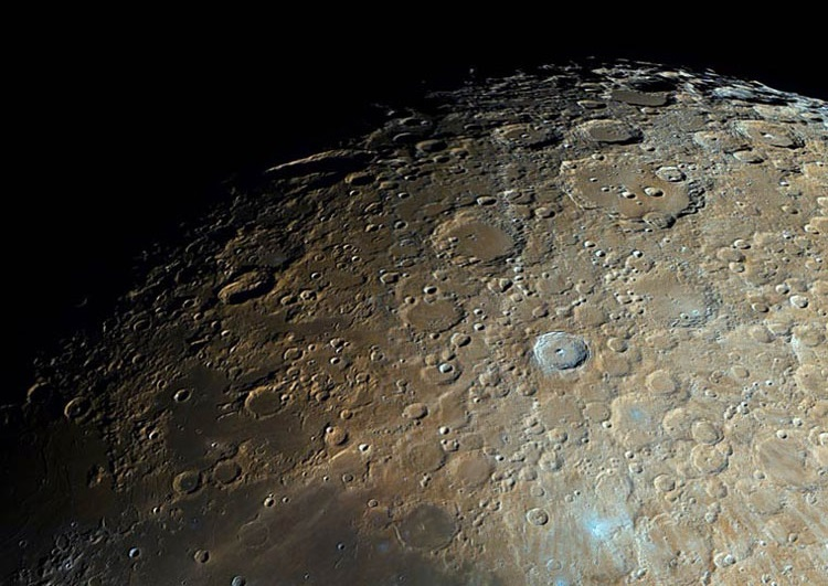 На Луне обнаружили инопланетный корабль с пришельцами и руины древних построек (ВИДЕО)