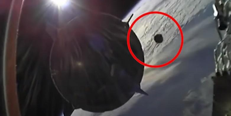 Экипаж корабля SpaceX едва избежал столкновения с НЛО