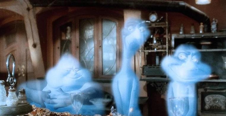 Камера слежения запечатлела «призраков» в пустующем доме