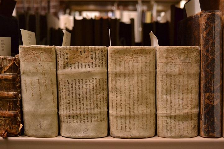 Манускрипты, которые до сих пор не могут прочесть