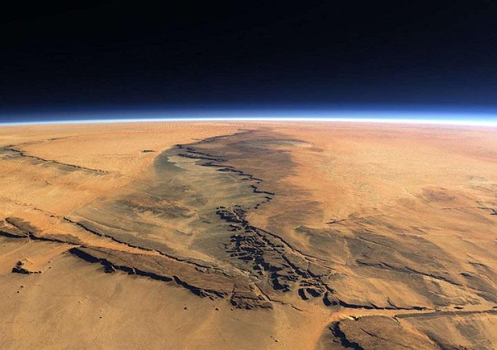 Необычные многоугольники обнаружили исследователи на поверхности Марса