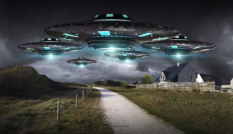 остальном картинки пришельцев с тарелками этого оттенка преимущественно