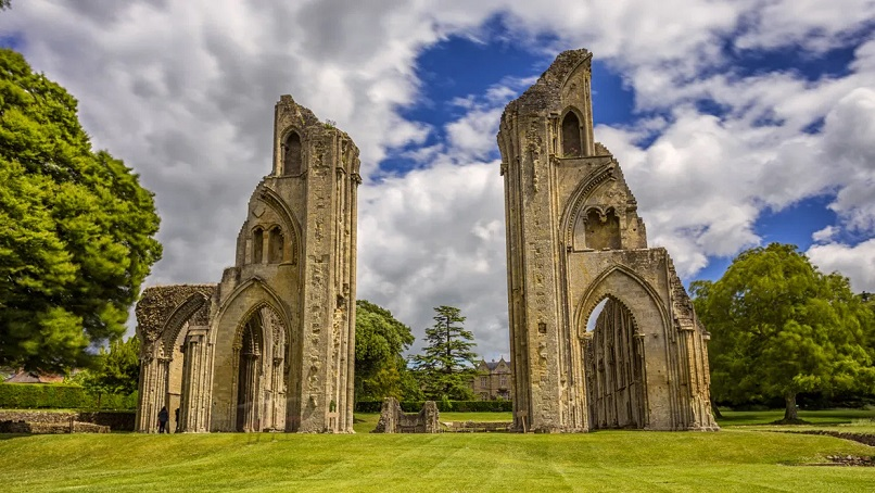 Легендарный король Артур был древним гигантом?
