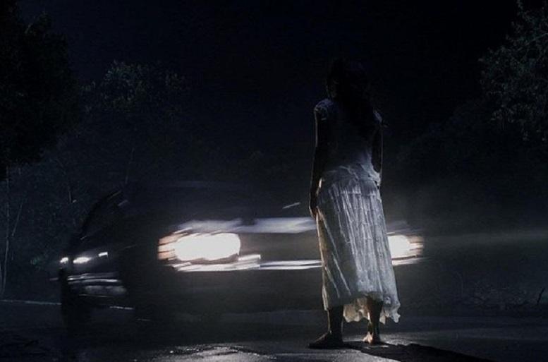 Жители села заявили, что по ночам на дорогу выходит призрак