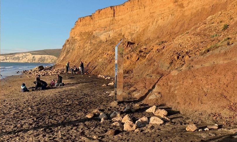 Четвертый «монолит» внезапно появляется на британском острове Уайт