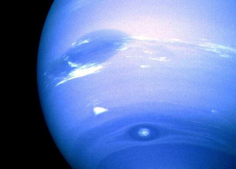 Ученые в недоумении от странного поведения гигантского шторма на Нептуне