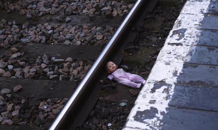 Некоторые феномены самоубийств (5 фото)