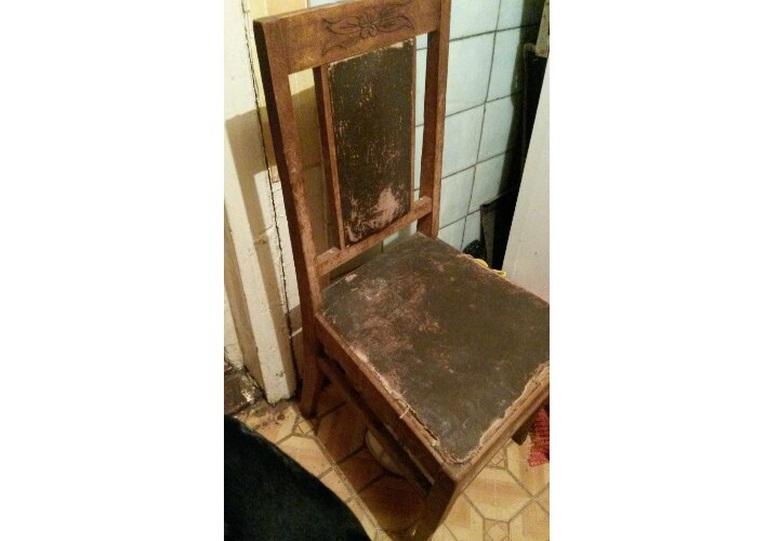 Старый стул в астраханской квартире вдруг ожил