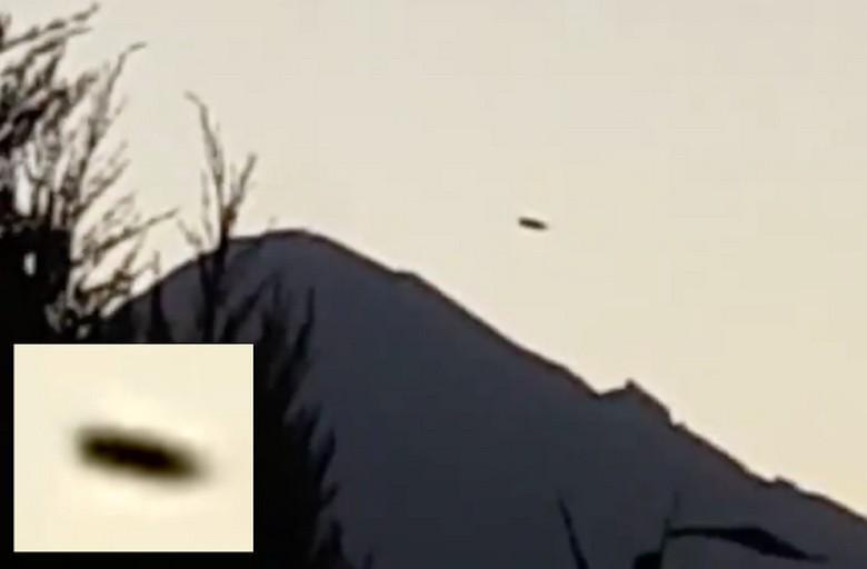 Над вулканом Попокатепетль в Мексике парит НЛО