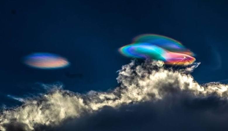 Невероятные радужные облака появились над Перу