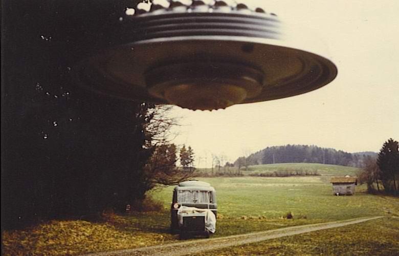 В Сети всплыло видео из 1950-х годов с раскалившейся «летающей тарелкой»