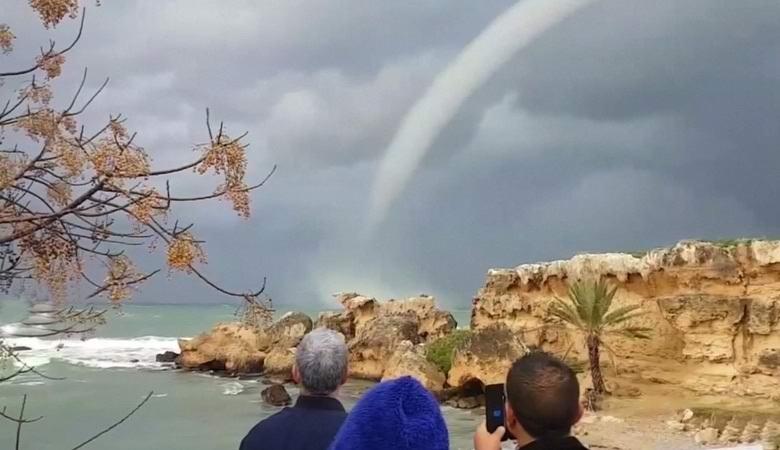 Удивительный смерч образовался у побережья Кипра