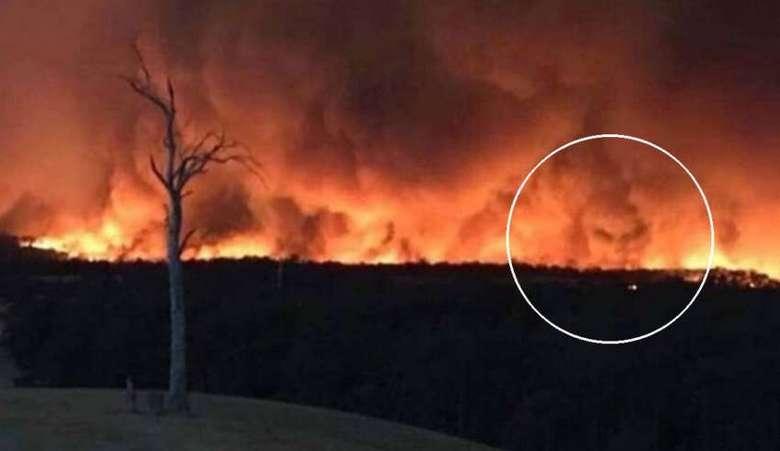 В пламени лесного пожара Австралии запечатлели лицо дьявола