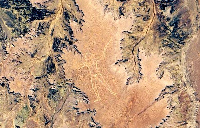 Таинственный геоглиф в виде гигантского человека на австралийском плато обновлен