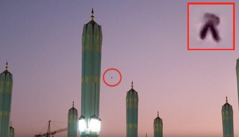 Странный объект над мечетью Пророка в Саудовской Аравии