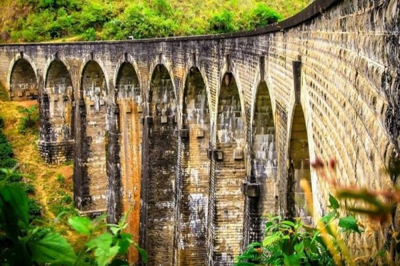 Загадочные артефакты прошлого: арочный мост в Шри-Ланке