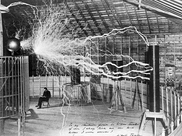 Никола Тесла и Маркони подслушали послания пришельцев?