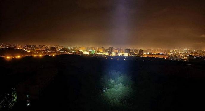 Над Петербургом летают корабли пришельцев