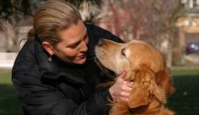 Американка сфотографировалась с призрачным псом