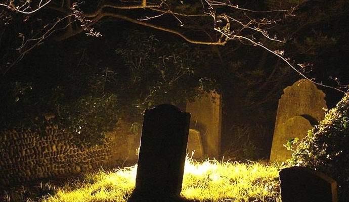 Специалисты изучат загадочное свечение на кладбищах