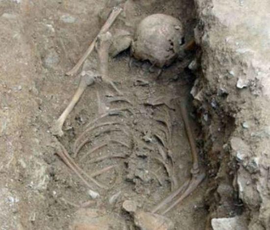 Захоронения, в которых скелеты лежат лицом вниз