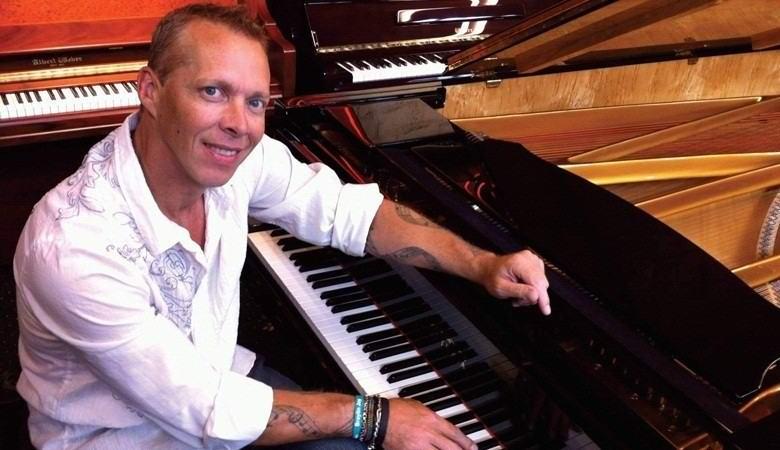 После травмы мужчина обрел удивительный музыкальный талант