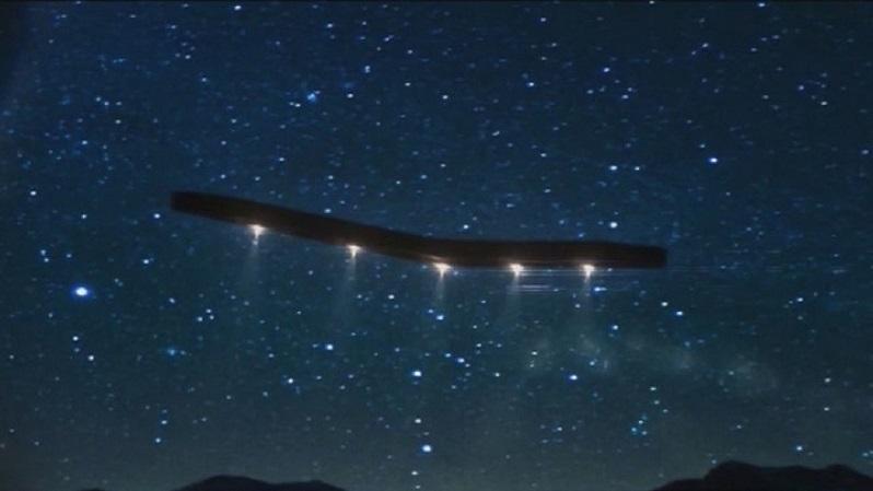 Яркие огни наблюдали в небе над Глендейлом в Аризоне (ВИДЕО)