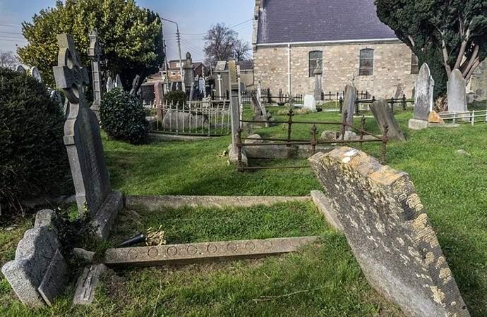 Тикающая могила в Пенсильвании (5 фото)