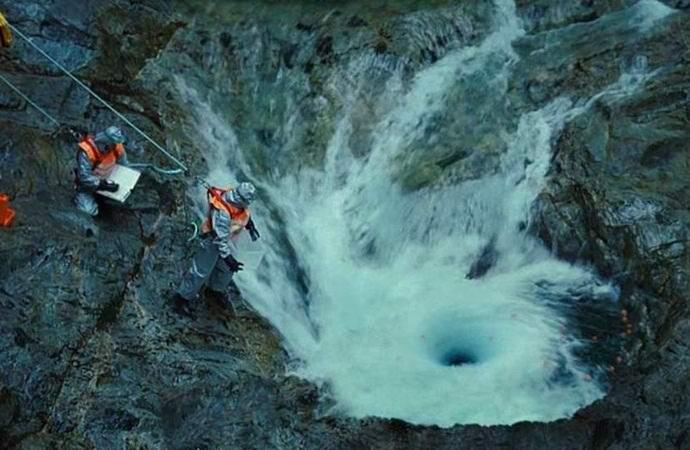 Тайна водопада «Чайник дьявола» наконец разгадана? (2 фото + видео)