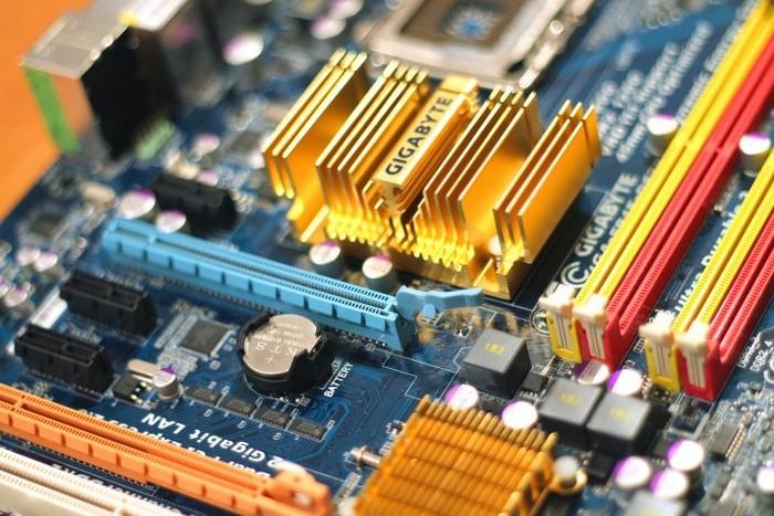 Свет сделает компьютеры в 100 тысяч раз более скоростными