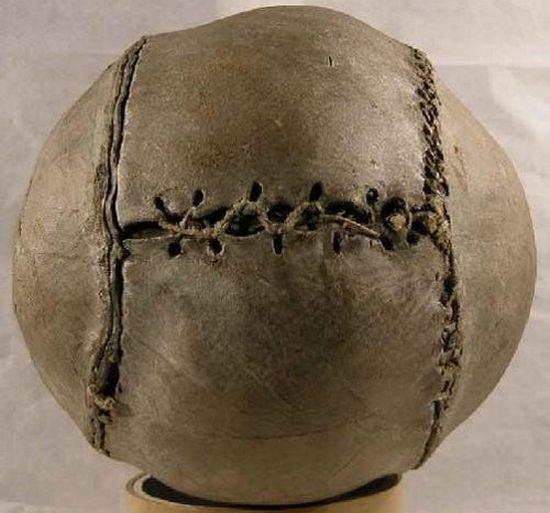 Самые древние и поразительные  вещи, которые находят археологи