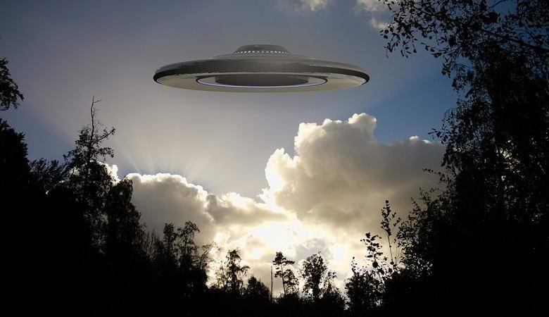 Причудливый НЛО пролетел над Мексикой