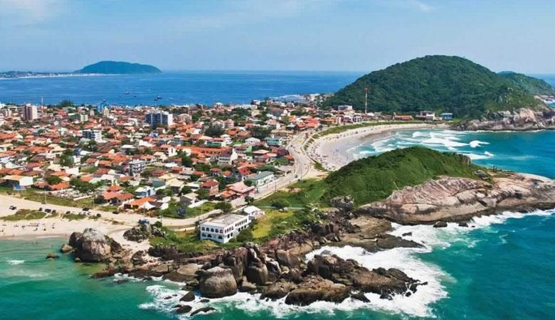 Непонятный объект опустился у побережья Бразилии