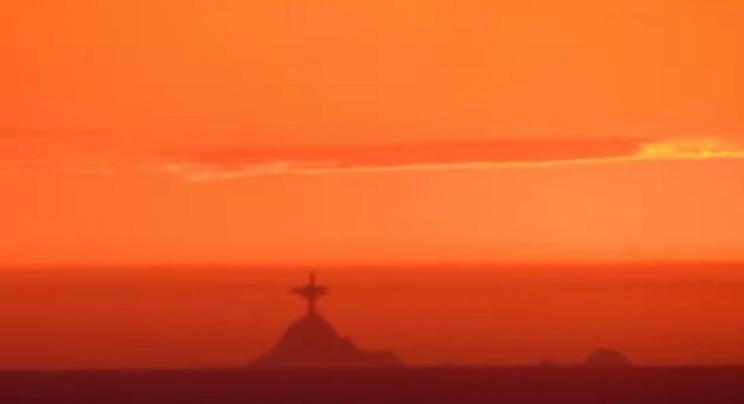 В небе над Сан-Франциско увидели «статую Христа-Искупителя»