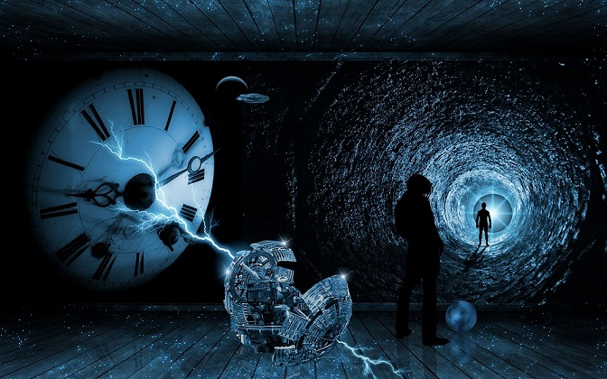 Камера наблюдения сняла путешественника во времени?
