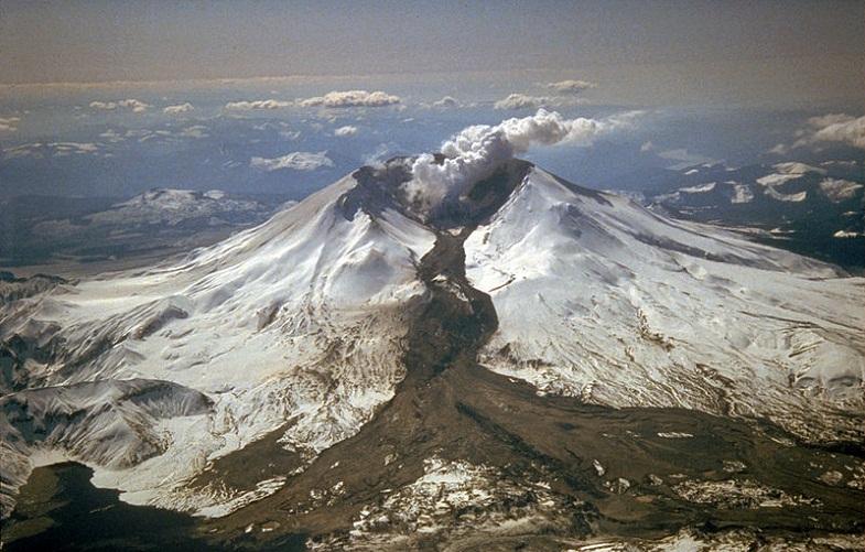 Вулканы ведут себя очень странно