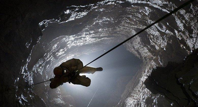 Российские спелеологи установили новый рекорд: они спустились вглубь Земли на 2212 метров