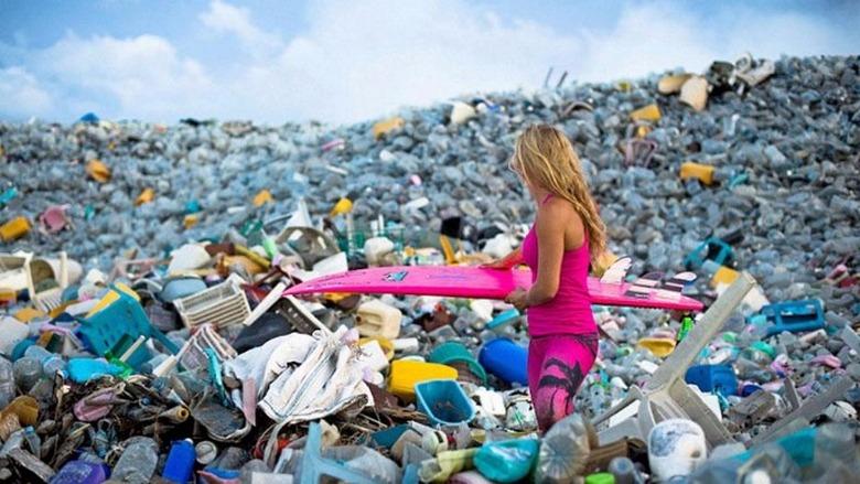 Ученые случайно нашли ферменты, способные легко и быстро разлагать пластик
