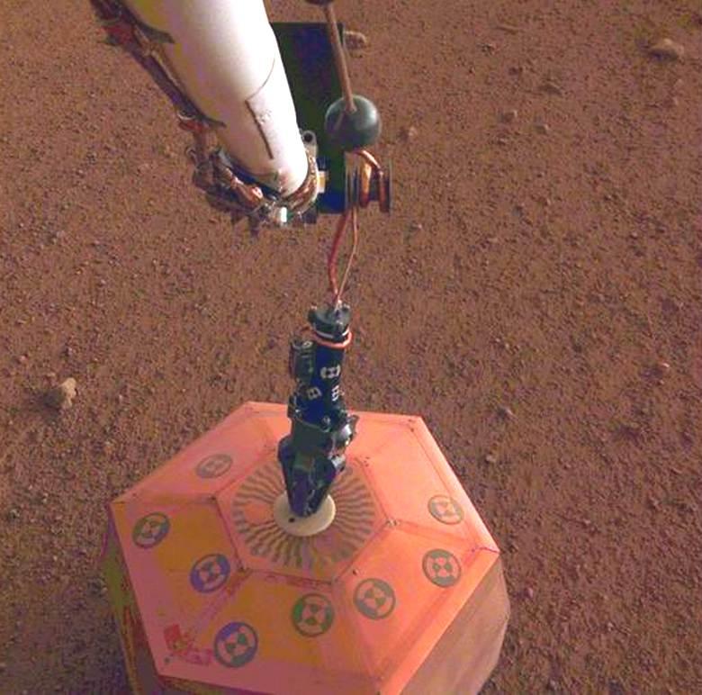Ученые впервые зафиксировали и записали на аудио «марсотрясение» на Красной планете