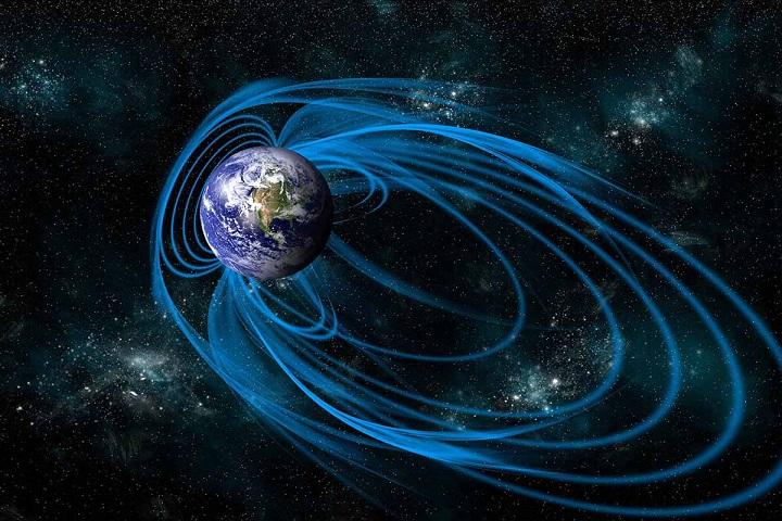 Ученые выяснили, почему магнитное поле Земли начало ослабевать