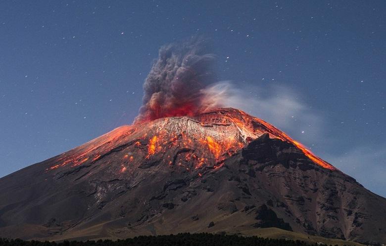 Из кратера вулкана Попокатепетль снова вылетел НЛО (ВИДЕО)