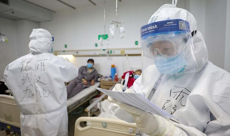Ученые: Перенесшие COVID-19 продолжают носить коронавирус в легких