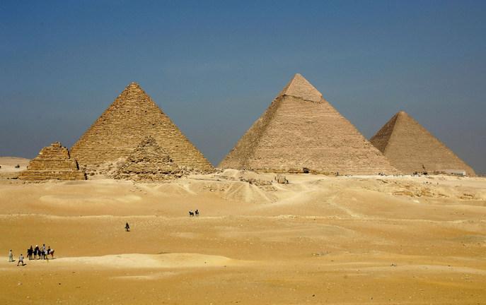 Древние пирамиды строили не египтяне и далеко не для усыпальниц фараонов